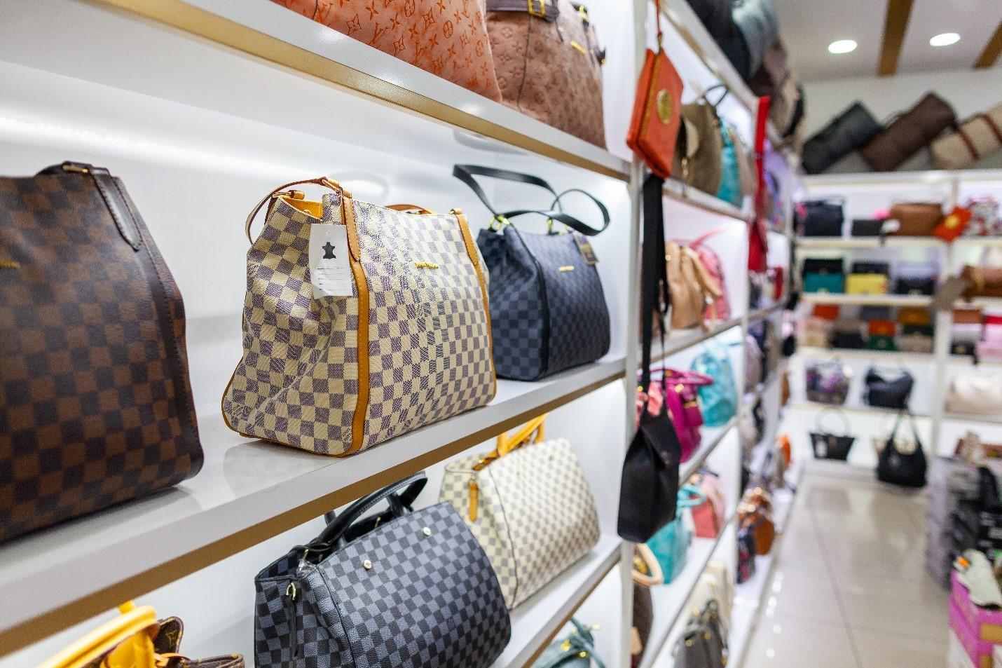 Louis Vuitton bags for cash